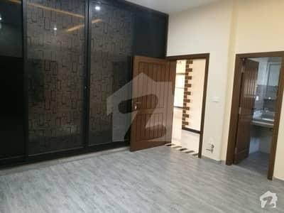 کورنگ روڈ اسلام آباد میں 6 کمروں کا 12 مرلہ مکان 75 ہزار میں کرایہ پر دستیاب ہے۔