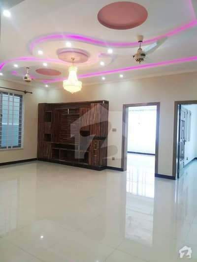 Brand New Luxurious Lower Ground Portion Available For Rent In Gulraiz