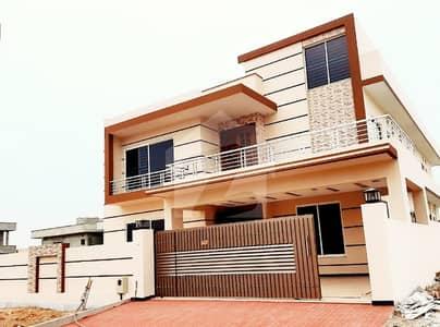 ڈی ایچ اے ڈیفینس فیز 2 ڈی ایچ اے ڈیفینس اسلام آباد میں 6 کمروں کا 1 کنال مکان 1.35 لاکھ میں کرایہ پر دستیاب ہے۔