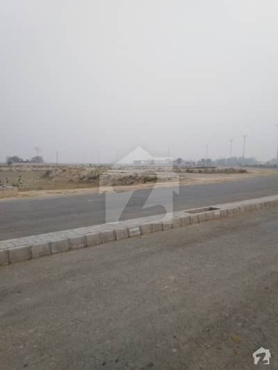 Corner Plot No 803 For Sale In 41,50 Lac Dues Carry Forward