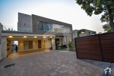 Leads Premium Offer Royal Class One Kanal Bungalow Near To Main Road In Dha Phase 6