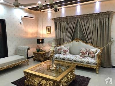 عسکری 10 - سیکٹر ایف عسکری 10 عسکری لاہور میں 4 کمروں کا 12 مرلہ فلیٹ 2.45 کروڑ میں برائے فروخت۔