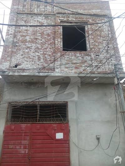 ون 4-ایل روڈ اوکاڑہ میں 4 کمروں کا 4 مرلہ مکان 46 لاکھ میں برائے فروخت۔