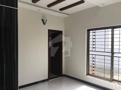 مین بلیوارڈ ڈی ایچ اے ڈیفینس ڈی ایچ اے ڈیفینس لاہور میں 3 کمروں کا 8 مرلہ مکان 50 ہزار میں کرایہ پر دستیاب ہے۔