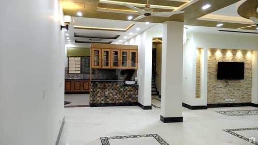 ایف ۔ 10 اسلام آباد میں 9 کمروں کا 1.07 کنال مکان 12 کروڑ میں برائے فروخت۔