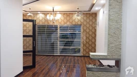 ڈی ایچ اے فیز 6 ڈیفنس (ڈی ایچ اے) لاہور میں 4 کمروں کا 10 مرلہ مکان 1.25 لاکھ میں کرایہ پر دستیاب ہے۔