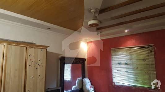 نیو مسلم ٹاؤن - بلاک اے نیو مسلم ٹاؤن لاہور میں 6 کمروں کا 2 کنال مکان 6 کروڑ میں برائے فروخت۔