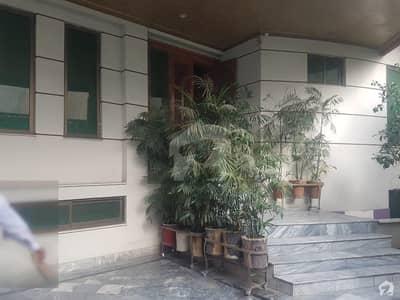 جی ٹی روڈ لاہور میں 4 کمروں کا 11 مرلہ مکان 2 کروڑ میں برائے فروخت۔