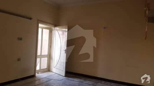 حیات آباد فیز 7 - ای6 حیات آباد فیز 7 حیات آباد پشاور میں 4 کمروں کا 14 مرلہ بالائی پورشن 45 ہزار میں کرایہ پر دستیاب ہے۔