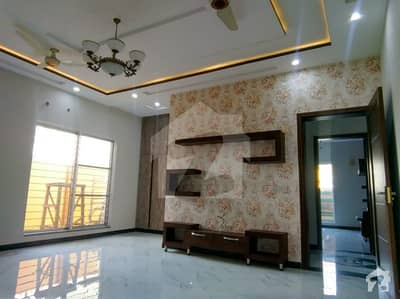 1 Kanal Ground Portion House Is Ready For Rent