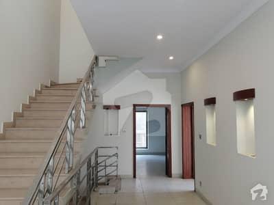 جی ۔ 6/4 جی ۔ 6 اسلام آباد میں 8 کمروں کا 18 مرلہ مکان 2.3 لاکھ میں کرایہ پر دستیاب ہے۔