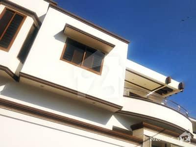 ڈی ایچ اے فیز 4 ڈی ایچ اے کراچی میں 4 کمروں کا 12 مرلہ مکان 7.4 کروڑ میں برائے فروخت۔
