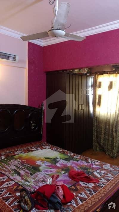 کلفٹن ۔ بلاک 2 کلفٹن کراچی میں 3 کمروں کا 7 مرلہ فلیٹ 1.2 کروڑ میں برائے فروخت۔