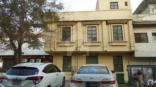 ایف ۔ 11/1 ایف ۔ 11 اسلام آباد میں 4 مرلہ عمارت 11 کروڑ میں برائے فروخت۔