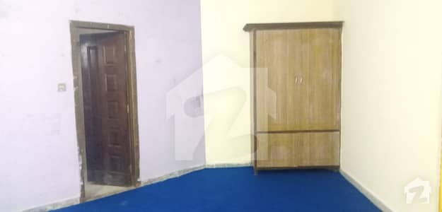 اڈیالہ روڈ راولپنڈی میں 2 کمروں کا 5 مرلہ مکان 15 ہزار میں کرایہ پر دستیاب ہے۔