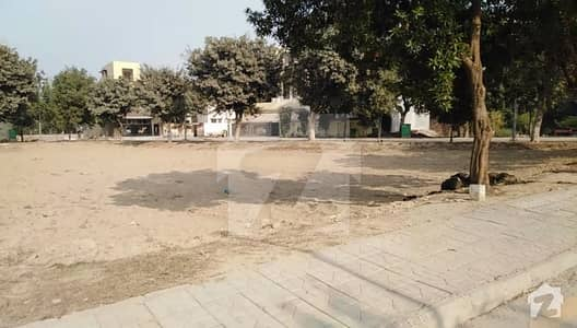 10 MARLA VERY GOOD LOCATION PLOT NEAR PARK MASJID AND MARKET FOR SALE