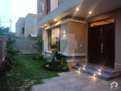 ڈی ایچ اے فیز 6 ڈی ایچ اے کراچی میں 6 کمروں کا 1.27 کنال مکان 14.99 کروڑ میں برائے فروخت۔