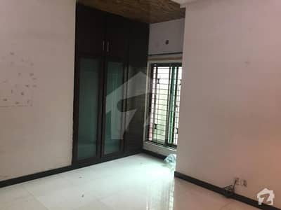 10 Marla Good Conditions house available for sale