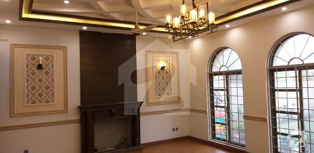 2 Kanal Brand New Royal Palace For Sale
