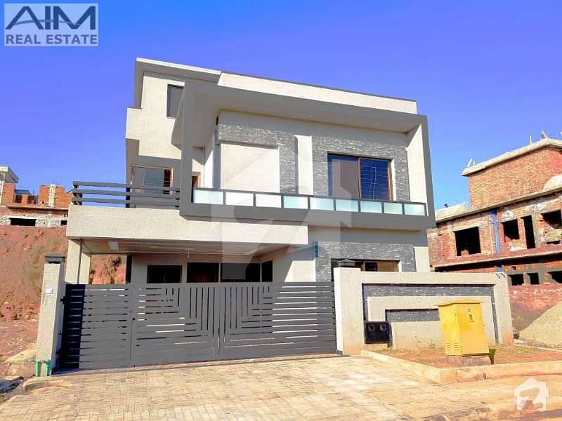 Luxury 10 Marla 5 Bed House For Sale