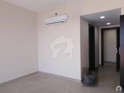 امارکریسنٹ بے ڈی ایچ اے فیز 8 ڈی ایچ اے کراچی میں 3 کمروں کا 11 مرلہ فلیٹ 4.6 کروڑ میں برائے فروخت۔