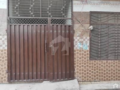 وہاڑی روڈ ملتان میں 2 کمروں کا 5 مرلہ مکان 40 لاکھ میں برائے فروخت۔