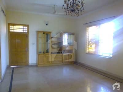 پی ڈبلیو ڈی ہاؤسنگ سکیم اسلام آباد میں 6 کمروں کا 1 کنال مکان 65 ہزار میں کرایہ پر دستیاب ہے۔