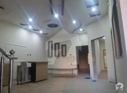 نیو شالیمار کالونی ملتان میں 6 کمروں کا 10 مرلہ مکان 1.6 کروڑ میں برائے فروخت۔