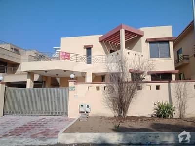 ڈی ایچ اے فیز 1 - سیکٹر ای ڈی ایچ اے ڈیفینس فیز 1 ڈی ایچ اے ڈیفینس اسلام آباد میں 9 کمروں کا 1 کنال مکان 1.35 لاکھ میں کرایہ پر دستیاب ہے۔
