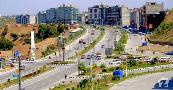 Commercial plot for sale at Boulevard location of commercial zone