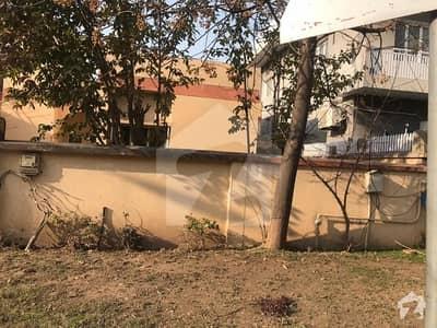 آئی ۔ 8/2 آئی ۔ 8 اسلام آباد میں 2 کمروں کا 10 مرلہ مکان 3.6 کروڑ میں برائے فروخت۔