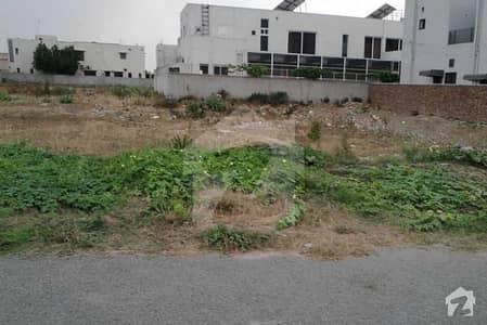 ڈی ایچ اے فیز 3 - بلاک ڈبل ایکس فیز 3 ڈیفنس (ڈی ایچ اے) لاہور میں 10 مرلہ رہائشی پلاٹ 2 کروڑ میں برائے فروخت۔