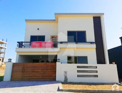 9 Marla Amazing House For Sale At Good Location