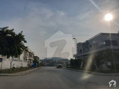 Top Location Street  7 South Facing Exclusive Plot