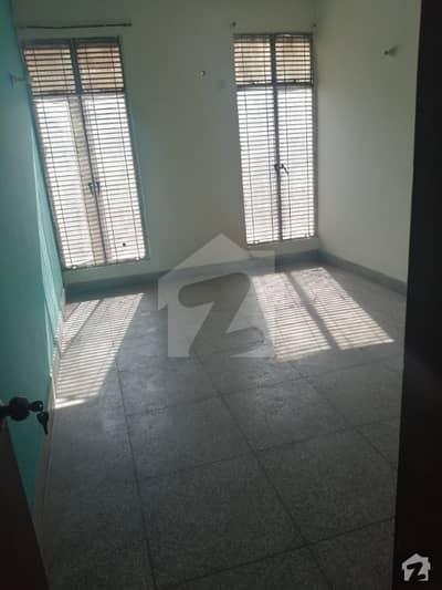 کینال ویو فیز 1 کینال ویو لاہور میں 3 کمروں کا 10 مرلہ مکان 40 ہزار میں کرایہ پر دستیاب ہے۔