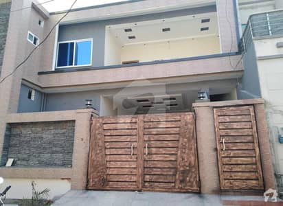 آفیسرز گارڈن کالونی ورسک روڈ پشاور میں 7 کمروں کا 8 مرلہ مکان 2.4 کروڑ میں برائے فروخت۔