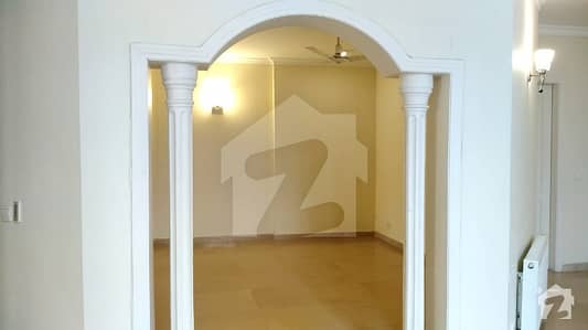 Excellent Triple Storey House Is Available For Rent