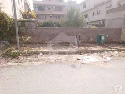 ای ۔ 11/3 ای ۔ 11 اسلام آباد میں 1 کنال رہائشی پلاٹ 4 کروڑ میں برائے فروخت۔