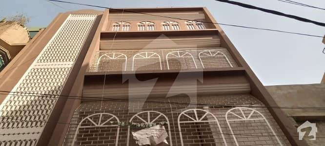 قیوم آباد ۔ اے ایریا قیوم آباد کراچی میں 12 کمروں کا 3 مرلہ مکان 1.8 کروڑ میں برائے فروخت۔