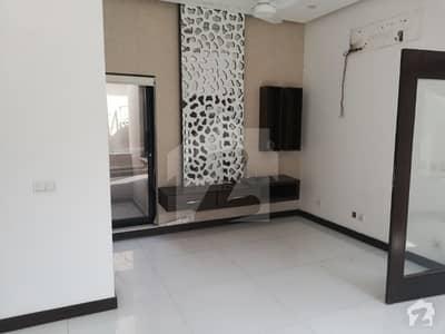 ڈی ایچ اے فیز 5 - بلاک اے فیز 5 ڈیفنس (ڈی ایچ اے) لاہور میں 4 کمروں کا 10 مرلہ مکان 1.05 لاکھ میں کرایہ پر دستیاب ہے۔