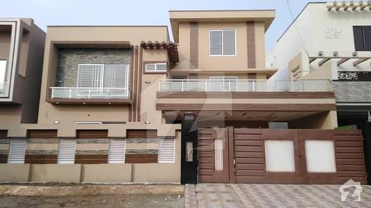 او پی ایف ہاؤسنگ سکیم - بلاک ڈی او پی ایف ہاؤسنگ سکیم لاہور میں 1 کنال مکان 3.7 کروڑ میں برائے فروخت۔