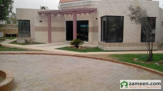 2200 Sq Yard Lavish Garden Farm House At Super Highway Near Baqai University Karachi For Rent