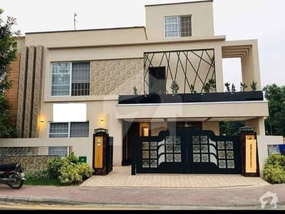 10 Marla Brand New House For Rent In Iqbal Block Of Bahria Town Lahore