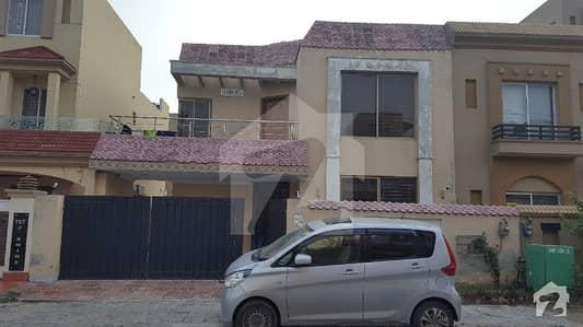 بحریہ ٹاؤن سیکٹر سی بحریہ ٹاؤن لاہور میں 2 کمروں کا 10 مرلہ زیریں پورشن 32 ہزار میں کرایہ پر دستیاب ہے۔