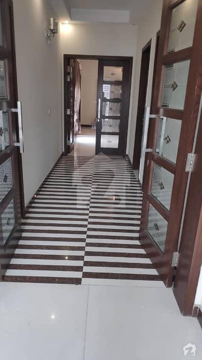 ڈی ایچ اے فیز 5 - بلاک بی فیز 5 ڈیفنس (ڈی ایچ اے) لاہور میں 3 کمروں کا 1 کنال بالائی پورشن 70 ہزار میں کرایہ پر دستیاب ہے۔