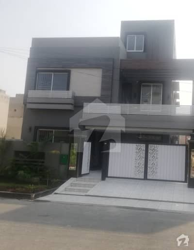 10 Marla Brand New House For Rent In Tulip Block Sector C Bahria Town Lahore