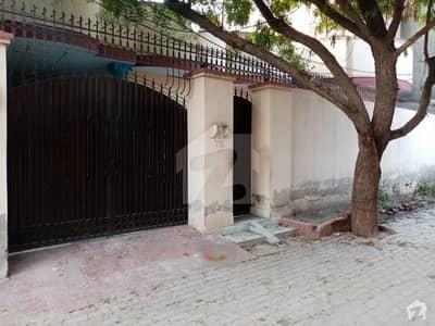 فیصل آباد روڈ اوکاڑہ میں 6 کمروں کا 10 مرلہ مکان 35 ہزار میں کرایہ پر دستیاب ہے۔