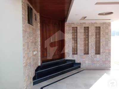 بحریہ ٹاؤن اوورسیز B بحریہ ٹاؤن اوورسیز انکلیو بحریہ ٹاؤن لاہور میں 2 کمروں کا 10 مرلہ زیریں پورشن 40 ہزار میں کرایہ پر دستیاب ہے۔