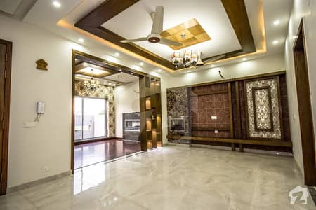5 Marla Brand New Royal Class Luxury Bungalow For Sale Near By Park and Main Road