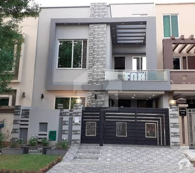 5 Marla Brand New House For Rent In Cc Block Sector D Bahria Town Lahore